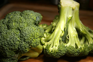 how to cook fresh broccoli in the microwave