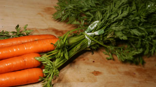 carrots_with_tops